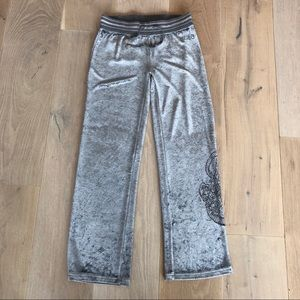 BCBG sweat pants gray luxury sz. L